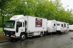 "VOLVO FL6 et caravane ""Les Flying Mendona"" (P) (xavnco2) Tags: france truck volvo circo circus lorry camion trucks cirque amiens intercooler picardie lkw somme autocarro fourgon forain showmen fl6 lahotoie"