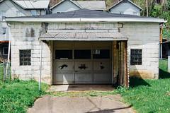 2D Cats (rpantaleo) Tags: us unitedstates pennsylvania garage brownsville vsco westbrownsville