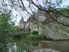 Sainte-Croix-sur-Orne, ferme-manoir du 15e sicle (tordouetspirit) Tags: castle architecture iglesia normandie normandy glise chteau bassenormandie paysagenormand