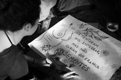 """ Tentaram nos enterrar, mas no sabiam que eramos sementes. "" (SamNeves1993) Tags: brazil woman white black branco brasil avenida women arte boobs drawing mulher pb rape preto sp brazilian feminism mulheres cartaz manifesto paulista feminismo manifestao seios feminista temer patriarcado estupro"