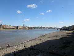 Thames view from Rotherhithe (downriver) at low tide (John Steedman) Tags: uk greatbritain england london thames river unitedkingdom rotherhithe themse grossbritannien     grandebretagne    thamise