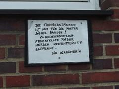Zuwiederrechtlich (mkorsakov) Tags: sign handwriting schild mnster hinweis verbot handschrift rechtschreibung gebot sdviertel fahrradparkverbot zuwiederrechtlich jawollski