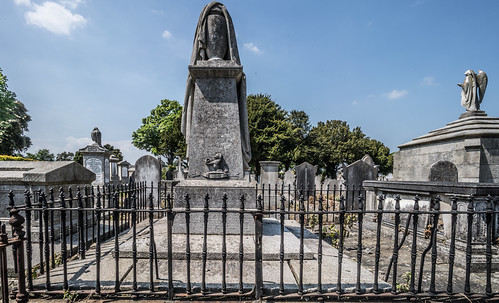 MOUNT JEROME CEMETERY AND CREMATORIUM IN HAROLD'S CROSS [SONY A7RM2 WITH VOIGTLANDER 15mm LENS]-117088