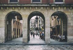 Arcos en Gijn (Luis DLF) Tags: street plaza canon square spain perspective asturias perspectiva gijon plazadegijon