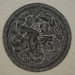 Rundl and Fenglestring (aaspforswestin) Tags: pattern freehand zenstone zentangle zendala gellypen tanglepattern whitecharcoalpencil