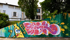 "Banane-Fraise!  (""skeba"") Tags: street terrain color art up speed graffiti lyon tag spot banana solo graff banane flop couleur throw fraise bask rapide"