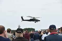 RNLAF AH-64D Apache (FaceMePLS) Tags: airport nederland thenetherlands helicopter heli warplane leeuwarden vliegveld helikopter liwwadden luchtmacht basis ljouwert klu koninklijkeluchtmacht luchtmachtdagen vliegbasis facemepls royaldutchairforce luchtmachtbasis gevechtshelikopter leewadden nikond5500 aanvalshelikopter