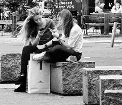 We hebben onze nieuwe kleding !!!! (Franc Le Blanc .) Tags: girls people lumix sitting candid panasonic sit streetphoto bags seated shertogenbosch iphones