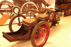 1896 Leon Bollee Tricycle (Dave Hamster) Tags: car museum tricycle lemans 3wheeler 1896 lemansmuseum leonbollee leonbolleetricycle