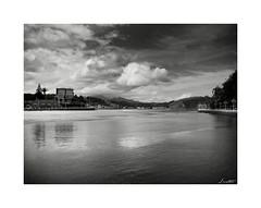 Desembocando El Sella (Jaime Martin Fotografia) Tags: asturias blancoynegro nature bw sea monocromo landscape