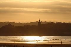 Sol y bruma. (David A.L.) Tags: sol mar gijn asturias playa bruma playadesanlorenzo iglesiadesanpedro