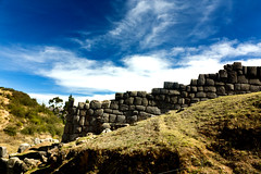 Los Muros de Sacsayhuamn. (Kevin Vsquez) Tags: peru inca cusco centro ruinas fortaleza sacsayhuaman paredes piedras incas muros arqueologia ceremonial