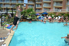 2013 rits sat pool party (70)