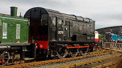 08064 (JOHN BRACE) Tags: darlington built english electric class 08 06 shunting locomotive 1953 060 13079 renumbered d3079 august 1957 then tops 08064 march 1974 seen national railway museum shildon