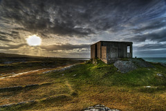 The Old Lookout Post (SJ Wray Photography) Tags: ocean county blue ireland light sunset sea vacation sky sun history texture water grass set clouds buildings lens landscape outdoors photography coast moss nikon scenery rocks angle post bright head stones tripod wide scenic landmark tourist lookout historic sharp coastal filter shore sj ww2 rays geology nikkor popular hdr donegal formations tyrone geological wray fanad strabane gnd4 1024mm d5300 blinkagain flickrbronzetrophygroup vision:sunset=0642 vision:mountain=0692 vision:clouds=0904 vision:sky=0962 vision:outdoor=0893