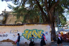 Chiapas-Personajes (jaropi) Tags: indígenas méxico iglesias sancristobaldelascasas tianguis grafitis chamulas estadodechiapas templodelacaridad
