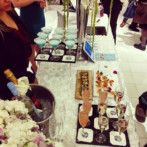 #Bloomingdales #registry #wedding #eventnyc #Bellinis #martinis #houdervesnyc