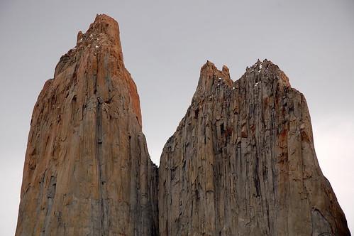 "Torres del Paine  - imponujące wieże <a style=""margin-left:10px; font-size:0.8em;"" href=""http://www.flickr.com/photos/125852101@N02/16355030567/"" target=""_blank"">@flickr</a>"
