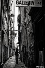 ... (-Makar79-) Tags: bw monochrome blackwhite liguria streetphotography genova 6d vicoli caruggi 50l centrostoricodigenova canonef50mmf12lusm streetph noiliguri osteriadelgrillo galleria44