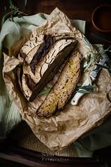 Pan de centeno con aceite de oliva (Soniaif) Tags: wood bread madera chair olive silla aceite oil pan claroscuro olivo centeno foodphotography planocenital fotografaculinaria