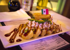 Sushi Roll with Mexican Flag (Johnny Silvercloud) Tags: arizona food dinner america canon sushi restaurant unitedstates nogales foodart mexicanflag eatingplaces canon5dmarkiii lightroom5 okirokisushi