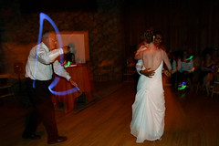 20090712_Naru_and_Molly_Wedding_Reception_0005.jpg (Ryan and Shannon Gutenkunst) Tags: ca usa dancing benlomond glowsticks narusundar sequoiaretreatcenter mollysundar naruandmollysweddingreception