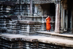 Preparation (jkpark78) Tags: 2016 sonya7rii angkorwat cambodia travel temple architecture monk orange candid angkor wat solace quiet may humid hot