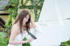 DSC_6576 (Robin Huang 35) Tags: girl nikon candy  d810