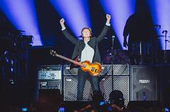 Paul McCartney (Pierre Hennequin) Tags: paris france concert thebeatles paulmccartney oneonone palaisomnisportsdeparisbercy bercyarena interconcerts accorhotelsarena oneononetour