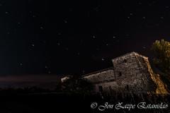 Castle of Arazuri (Jon Zazpe) Tags: sky espaa castle night star noche long exposure sigma estrellas nocturna 1020 castillo pamplona exposicion castillos larga romanico navarra comarca arazuri