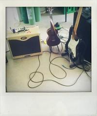 Office (larsniel) Tags: ukulele performance band fender setup strat kala stratocaster shakeitphoto