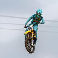 Manche weichen bei schlechten Straen einfach in die Luft aus (rentmam1) Tags: motocross aichwald