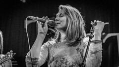 Della Mae (Peter Dervin Photography) Tags: seattle ladies music woman usa girl lady female concert nikon women bluegrass folk live country roots peter d750 wa americana venue dervin dellamae bluegrassfolkindierootsmusicconcert