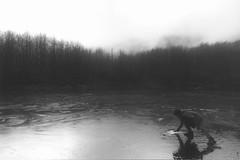 sottile (boia83) Tags: film lago nikon monte agfa f4 analogico acuto
