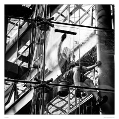 Window washer on rope (sdc_foto) Tags: street blackandwhite bw berlin window station silhouette contrast canon streetphotography rope cleaner washer sdcfoto