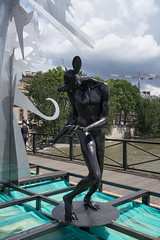 IMG_0465.jpg (mgroot) Tags: paris france art statue ledefrance fr pontdesarts paris2016