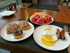Breakfast after exercise (Alfred Life) Tags: leica plus asph p9 summarit huawei    summarith12227 huaweip9plus leicaduallenses