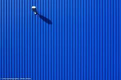 BLAULICHT (rolleckphotographie) Tags: light urban architecture facade lampe sony cologne kln minimal simplicity architektur minimalism fassade slta65v rolleckphotographie stefanrollar