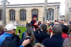 "England 2016 – Tower – Tour by ""Beefeater Bill"" Callaghan (Michiel2005) Tags: uk greatbritain england london tower tour unitedkingdom britain toweroflondon engeland beefeater londen thetower callaghan vk yeomanwarders grootbrittannië verenigdkoninkrijk billcallaghan"