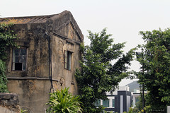 Old House in Sheung Shui (Canadian Pacific) Tags: hongkong  newterritories yuenlong   santin   wingpingtsuen wingpingvillage aimg9541
