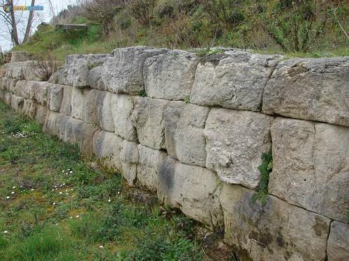 VV-Vibo Valentia-Ruderi mura Greche antica Ipponion 017_L