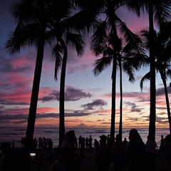 Waikiki dusk, Hawaii (loveexploring) Tags: people beach silhouette hawaii waikiki dusk palm honolulu