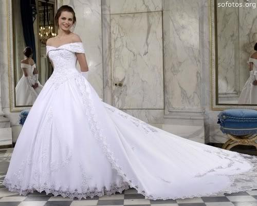 Vestidos de noivas com cauda longa