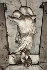 IMG_2723 Main Cemetery Frankfurt, Germany (Brigitte W) Tags: friedhof relief mausoleum engel frankfurtammain skulpturen gruft kolonnade neuesportal