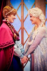 Anna and Elsa (abelle2) Tags: anna norway frozen epcot princess disney disneyworld wdw waltdisneyworld elsa snowqueen disneyprincess worldshowcase princessanna disneysfrozen disneyfrozen princesselsa annaandelsa
