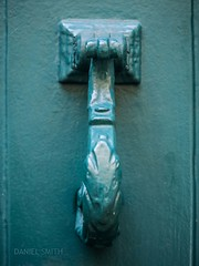 fleur de knocker (DMotown) Tags: door blue france green metal aqua aquamarine knocker villefranche doorknocker torquoise