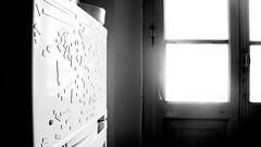 (marco ottaviani) Tags: bw sun word sony bn finestra bologna sole biancoenero controluce frigo parole miraggio bagliore sonynex sonynex5r
