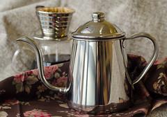 Takahiro + Kalita (Mimyo Foto) Tags: coffee cafe wave kettle takahiro kalita takahiro09ldripcoffeepot