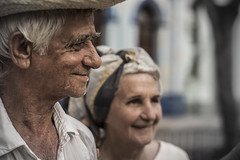 Just the two of us (Dario Zarlenga . Inspiring & Beyond Photography .) Tags: old love hat shirt sanantonio photography hope photo hands peace foto fotografie photographie hand amor union cuba paz manos photograph passion mano sombrero tercera fotografia handkerchief amore fotgrafo esperanza inlove cappello fotografo canas daro edad camisa chapu dario pauelo pasion passione fotografa enamorados ancianos enamorado chapeu cario unidos agarrando innamorato artemisa zarlenga fazzoletto agarrar