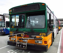 King County Metro 2001 Gillig Phantom Trolley 4175 (zargoman) Tags: seattle county travel bus electric king metro trolley transportation transit phantom gillig kiepe elektrik kingcountymetro highfloor